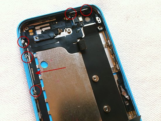 iPhone 5C disassembly stage 30