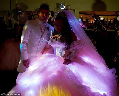 Big Fat Gypsy Wedding: Sam marries gypsy Pat in huge dress