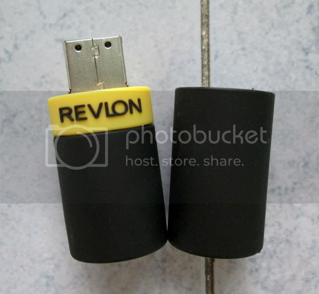 photo RevlonLipstickThumbDrive04.jpg