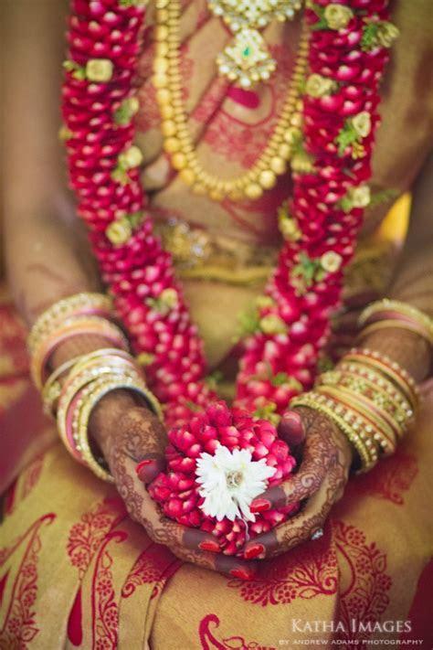 21 best Indian Wedding Garlands   Floral Garlands   Jai
