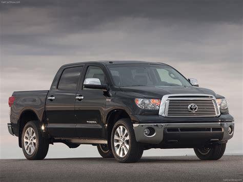 Toyota Tundra CrewMax (2010)