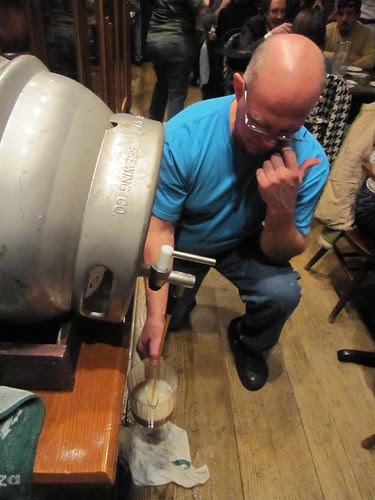 Pouring the cask (01)