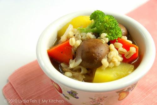 Vege-Barley-Chicken Soup