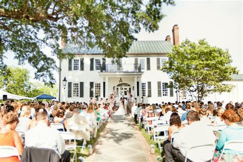 10 Unique Wedding Venues That Will Make You Say I Do