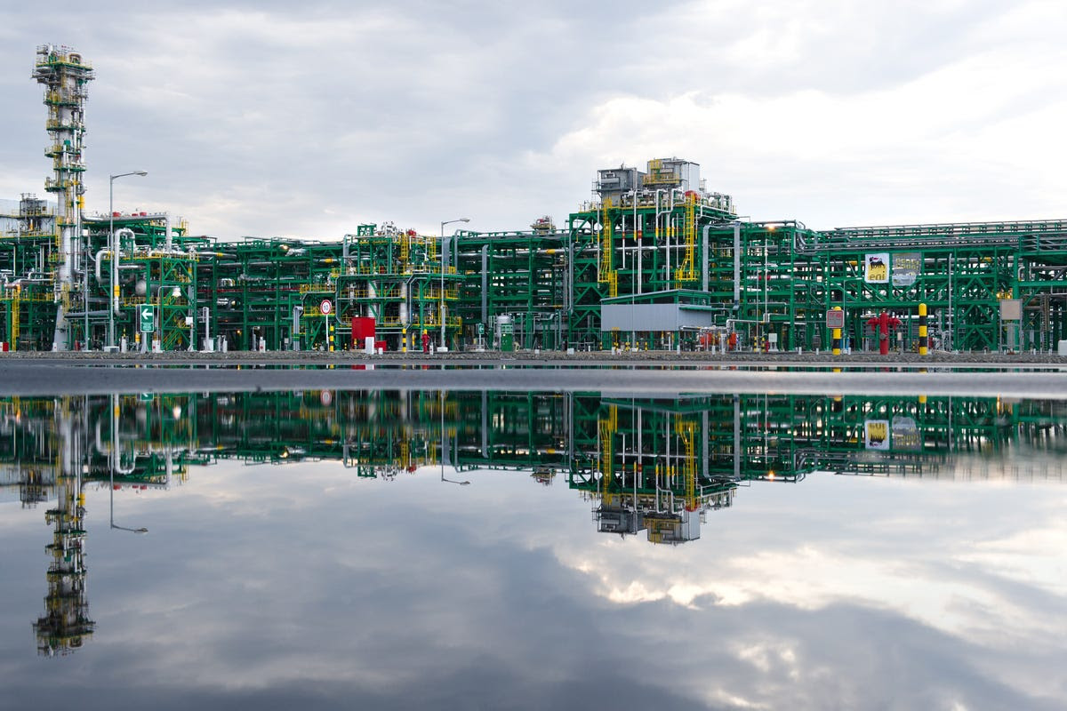 http://peakoil.com/production/one-of-the-worlds-biggest-oil-projects-is-a-total-fiasco