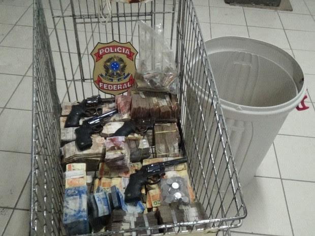 PF concluiu contagem do dinheiro nesta quarta-feira (27) (Foto: Divulgação/PF)