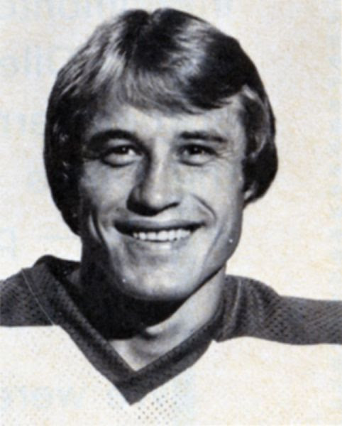 Lyle Moffat hockey player photo