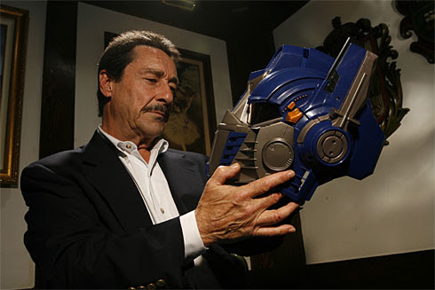 http://images.usatoday.com/life/_photos/2007/06/29/transformers-cullenx-large.jpg