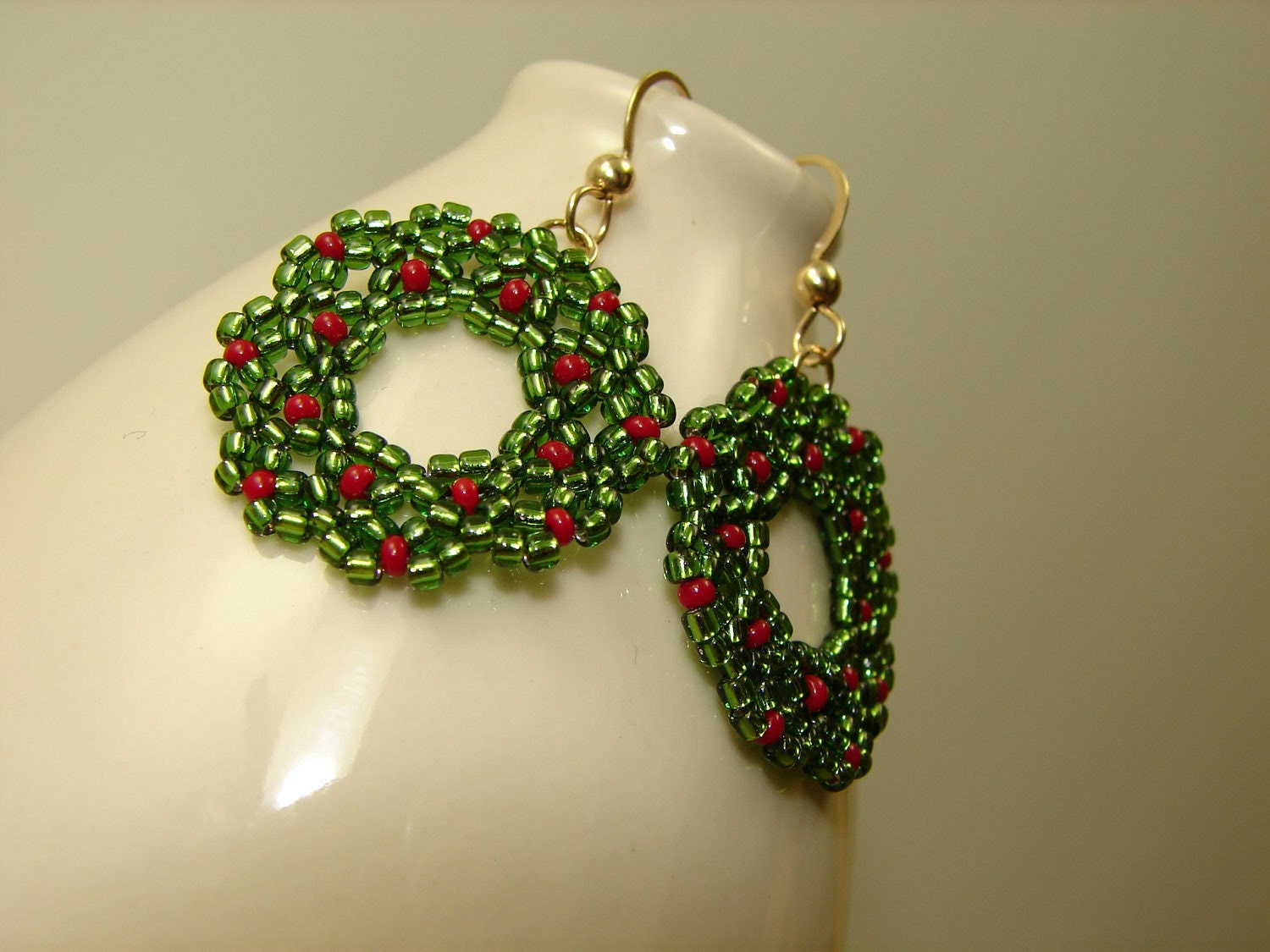 Christmas Wreath Earrings Glass and Gold Filled - Oogle