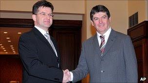 EU envoy Miroslav Lajcak (left) with Albanian President Bamir Topi, 26 Jan 11