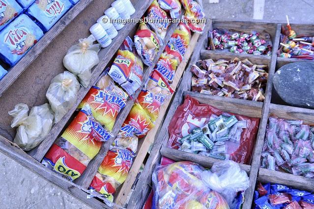 Galletas de lodo haitianas en Santo Domingo