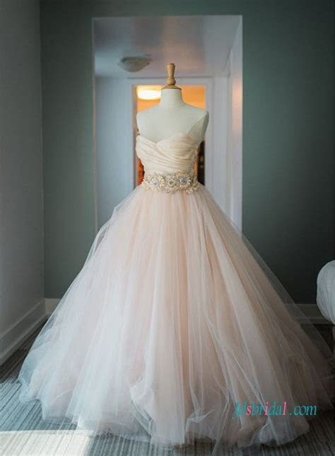 H1024 Classic blush pink tulle ball gown wedding dress