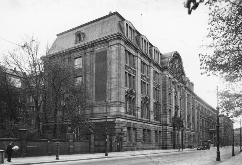 Ficheiro:Bundesarchiv Bild 183-R97512, Berlin, Geheimes Staatspolizeihauptamt.jpg