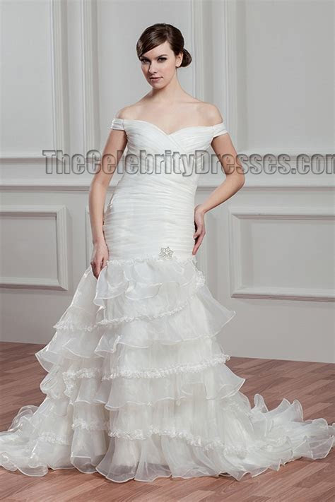 Trumpet/Mermaid Off the Shoulder Lace Up Wedding Dress