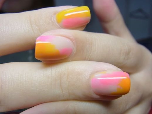 LE FASHION BLOG NAIL CANDY ORANGE YELLOW PINK OMBRE MIX NAIL ART INSPIRATION 4 photo LEFASHIONBLOGNAILCANDYORANGEYELLOWPINKOMBREMIX4.jpg
