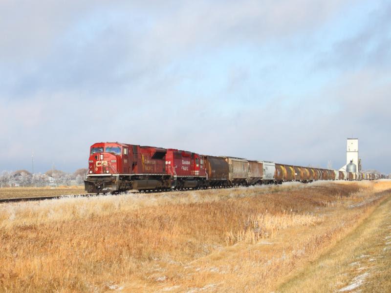 CP 9109 leaving La Salle Manitoba