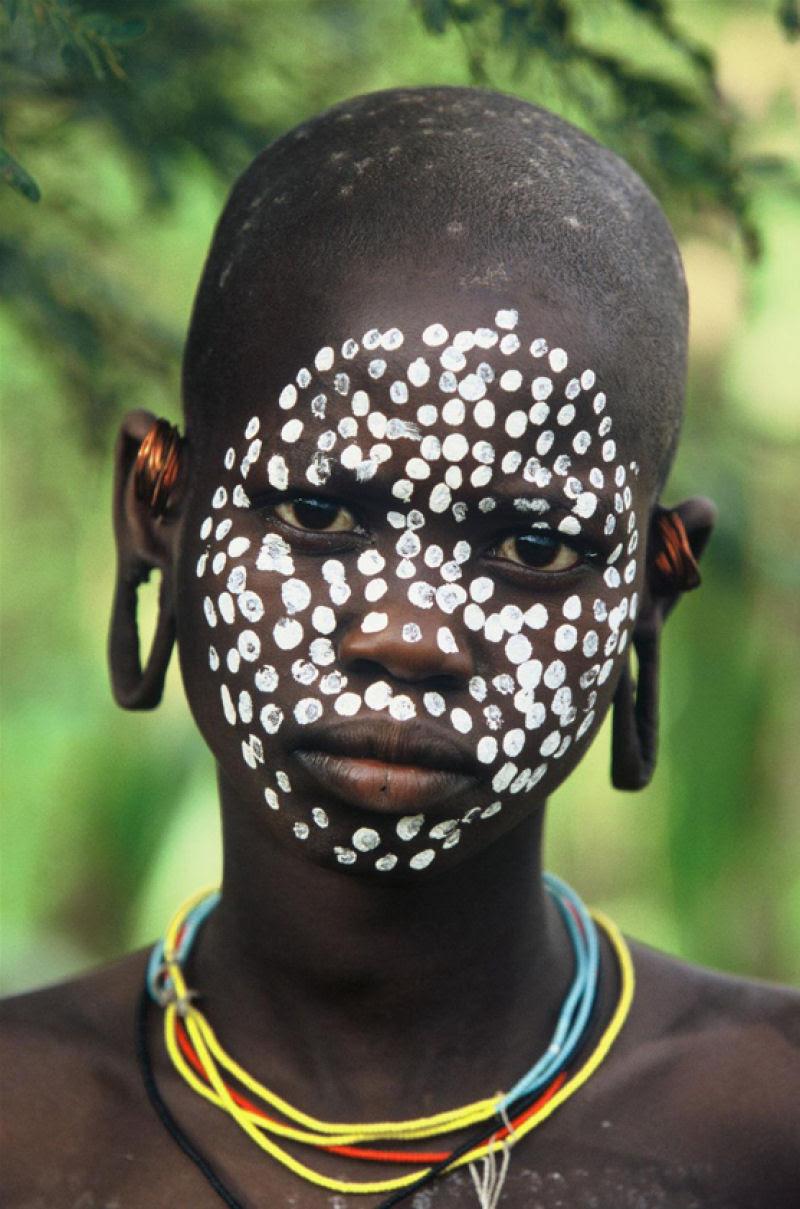 A beleza das Tribos Surma e Mursi, uma cultura em perigo, no sul de Etiópia 14