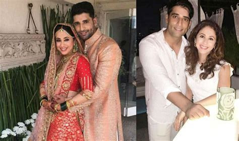 See first post wedding picture of Urmila Matondkar with
