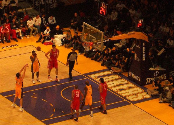 Pau Gasol shoots a free throw during the Lakers game, on October 26, 2010.