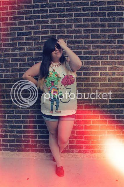 Jessica Ip Plus Size Fashion Blogger Toronto plusblogger drop dead gold chain sunglasses fatshion