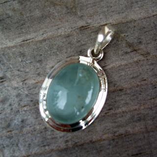 aquamarine necklace pendant
