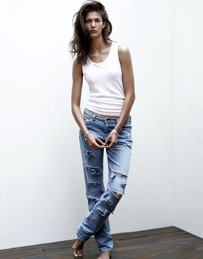 Le Fashion Blog Kendra Spears S Moda White Tank Top Slashed Ripped Jeans Ear Cuff Spring Summer Style photo Le-Fashion-Blog-Kendra-Spears-S-Moda-White-Tank-Top-Slashed-Ripped-Jeans-Ear-Cuff-Spring-Summer-Style.jpg