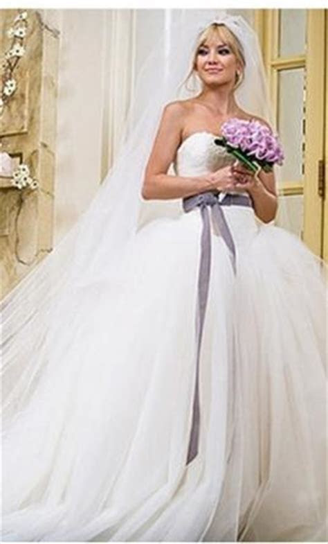 Vera Wang Kate Hudson's dress in Bride Wars, $4,500 Size