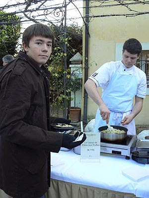 clem et le caviar de pâtes aux truffes.jpg