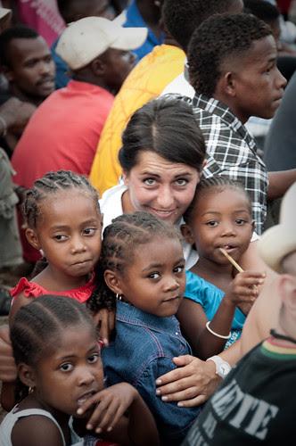 Children with Elena Budassi