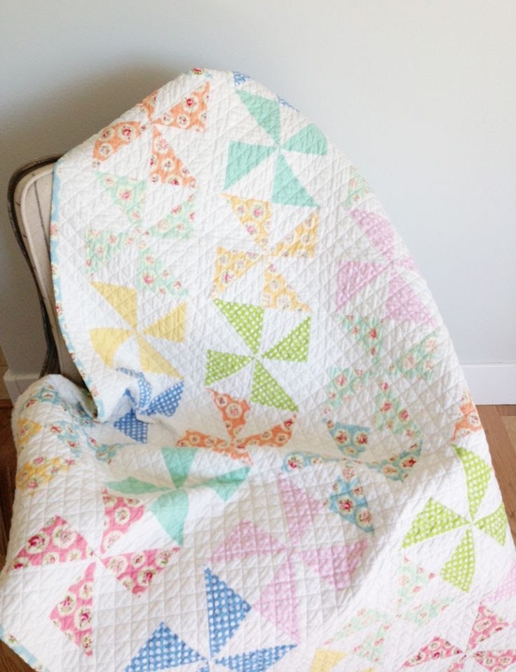 The Little White Farmhouse - Pinwheel Quilt <3  ldk- notice quilting