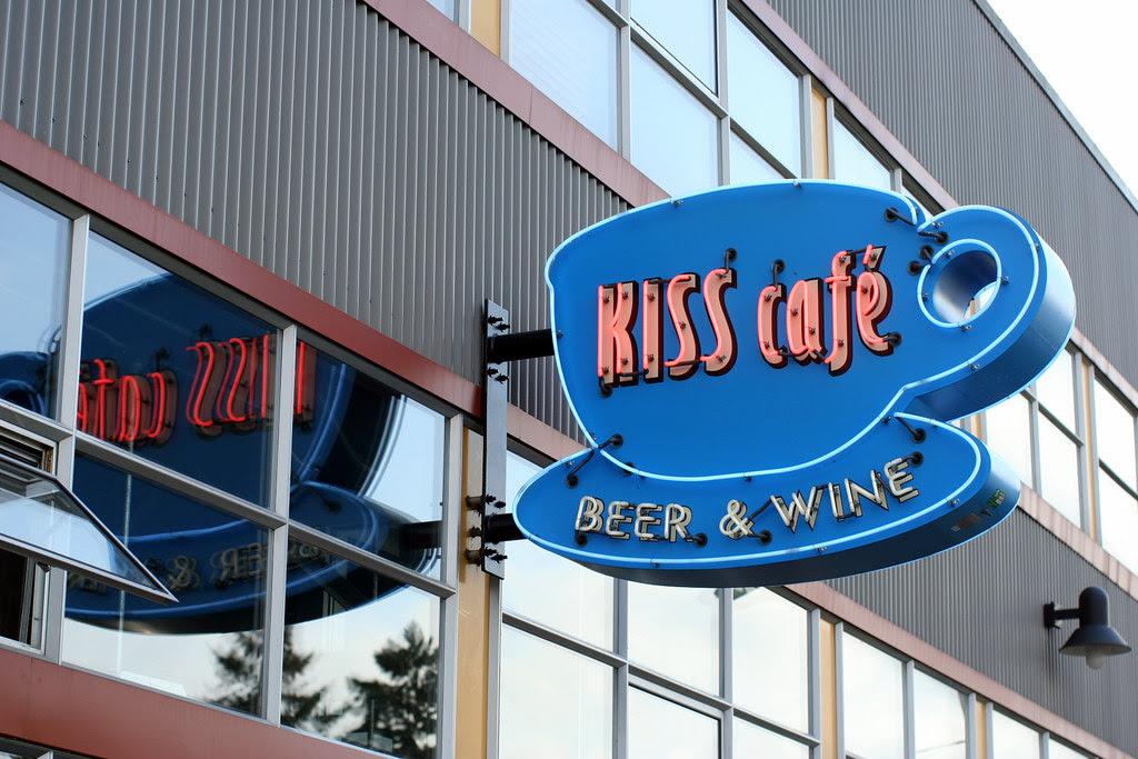 Kiss Cafe