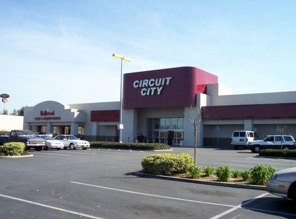 The former Circuit City on Stevens Creek Boulevard is transforming into a Walmart Neighborhood Market.
