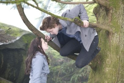 Bella and Edward in Twilight movie Kristen Stewart