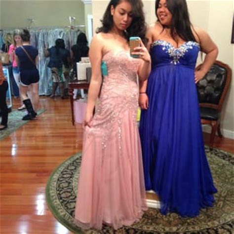 PROM DRESS SHOPS NEAR ME   Kalsene Fede