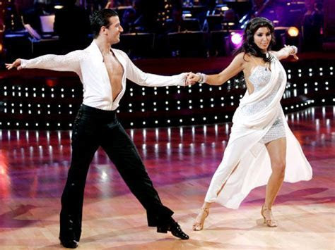 'DWTS' pro choreographing Kardashian's first dance   NY