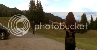 http://i298.photobucket.com/albums/mm253/blogspot_images/Raaz/PDVD_049.jpg