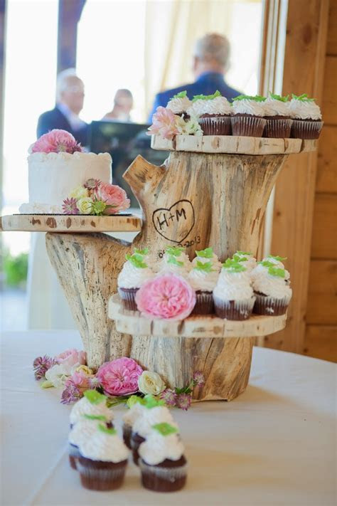 The Coolest New Decorating Trend: 18 Great Tree Stump