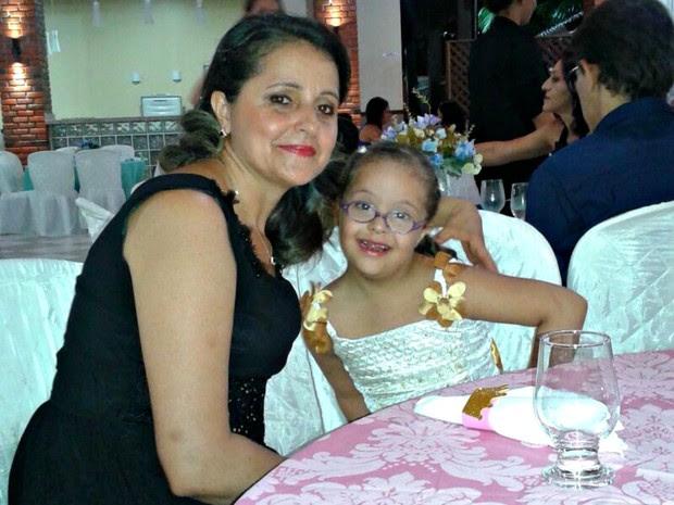 Professora redirecionou carreira após ter filha com Síndrome de Down (Foto: Arquivo pessoal)