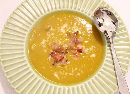 crema di zucche e castagne con speck croccante