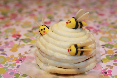 Mini lemon and honey beehive cakes by Liz Simmons