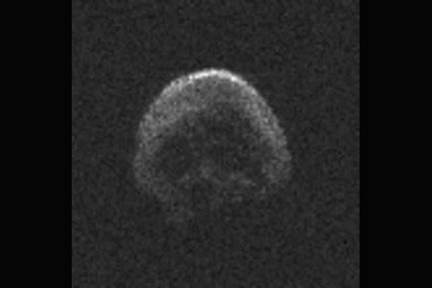 """O """"Great Pumpkin"""" Is Coming - Spooky Skull-Asteroid Como vai voar Em Tempo para o Dia das Bruxas!"""
