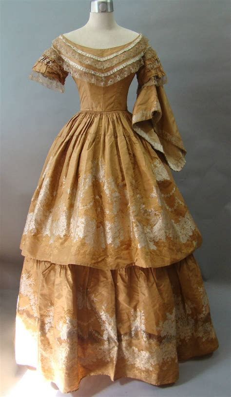 Victorian Dress Picture Collection   DressedUpGirl.com