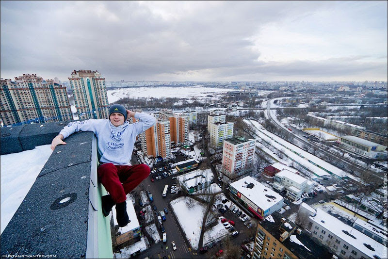 extreme rooftopping skywalking photos mustang-wanted russia (17)