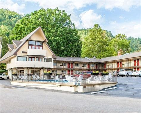 ECONO LODGE INN & SUITES ON THE RIVER $39 ($?4?4?