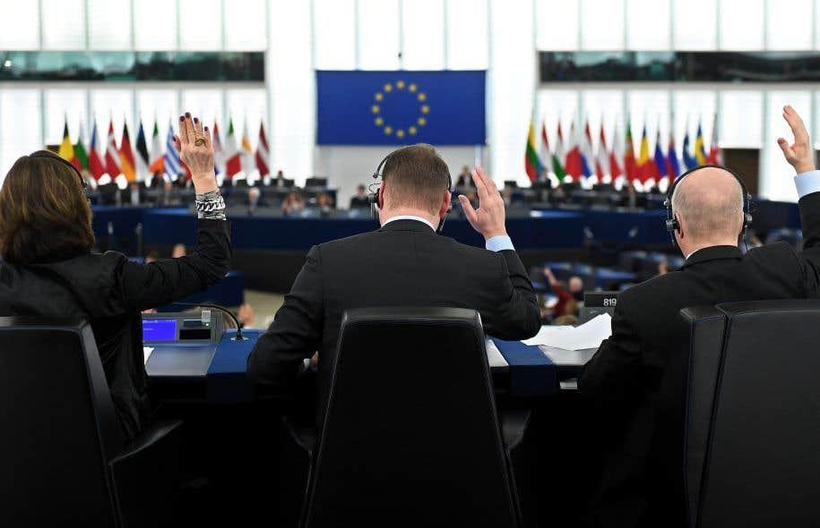 Avec ce vote favorable, une grande partie du texte devrait très prochainement être mise en oeuvre de manière provisoire, le temps qu'il soit ratifié par l'ensemble des Parlements nationaux et régionaux de l'UE.