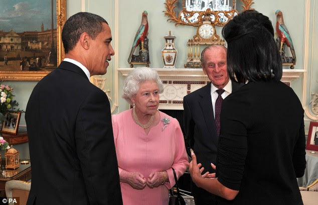First meeting: President Obama and his First Lady Michelle talk with Queen Elizabeth and the Duke of Edinburgh at Buckingham Palace