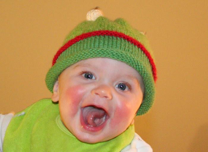 Knit froggie hat