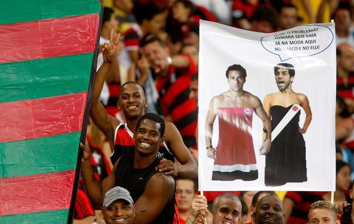 torcida gozação Flamengo contra Cruzeiro brincadeiras (Foto: Márcio Alves / Agência O Globo)