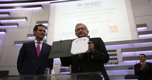AMLO pide a INE registrar su candidatura