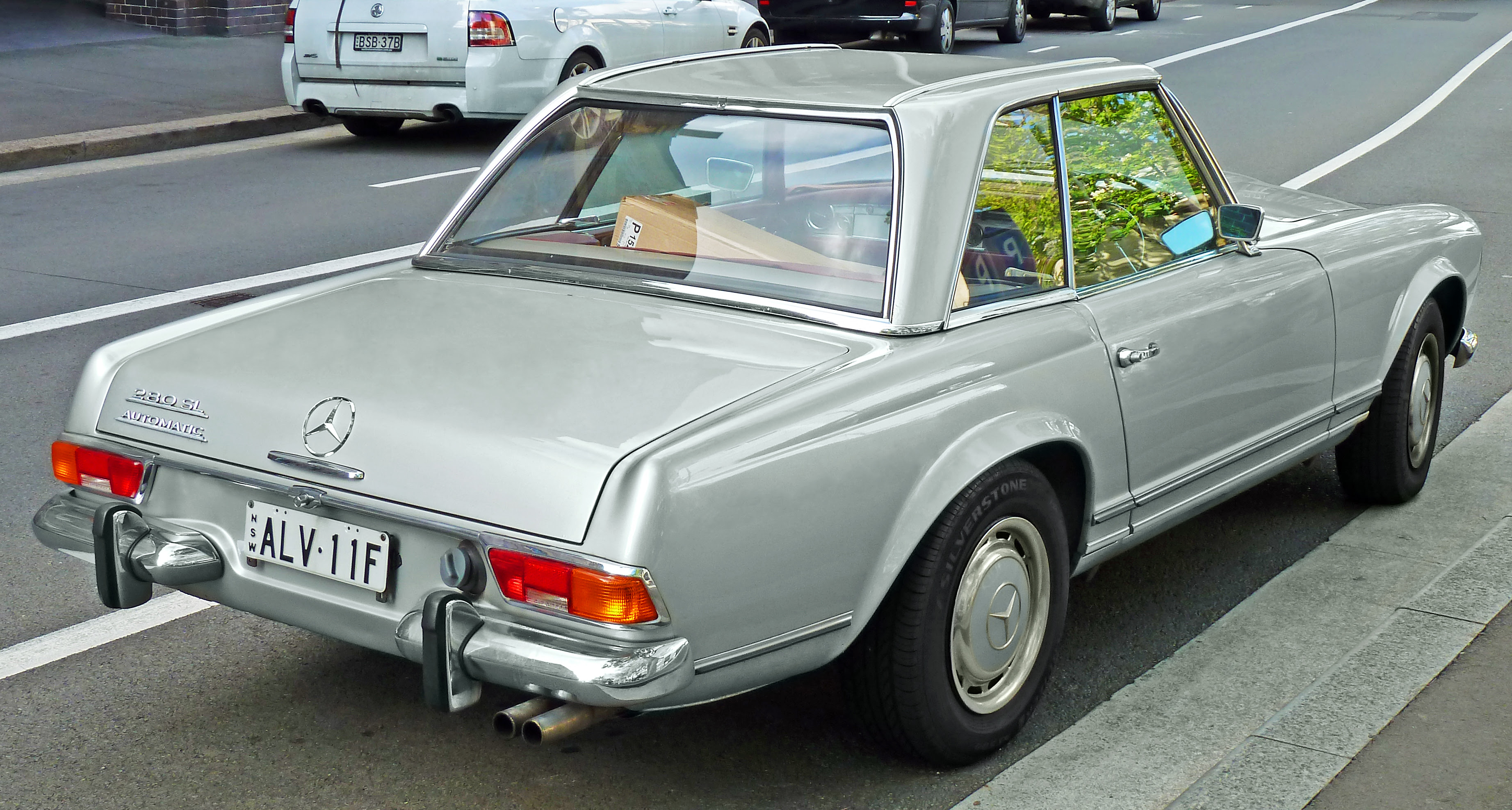 Mercedes-Benz 280SL - Information and photos - MOMENTcar